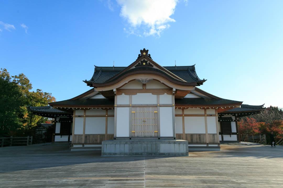 将軍塚青龍殿の写真