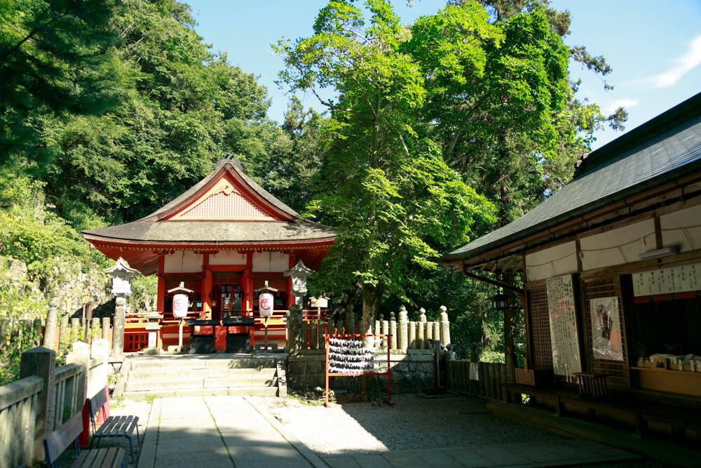 奥社・奥社厳魂神社の写真