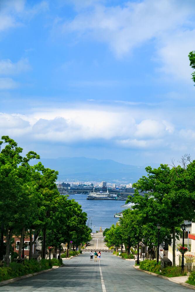 函館元町エリアにある八幡坂の写真