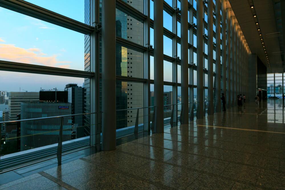 JRセントラルタワーズ15Fスカイストリートから撮影した夜景