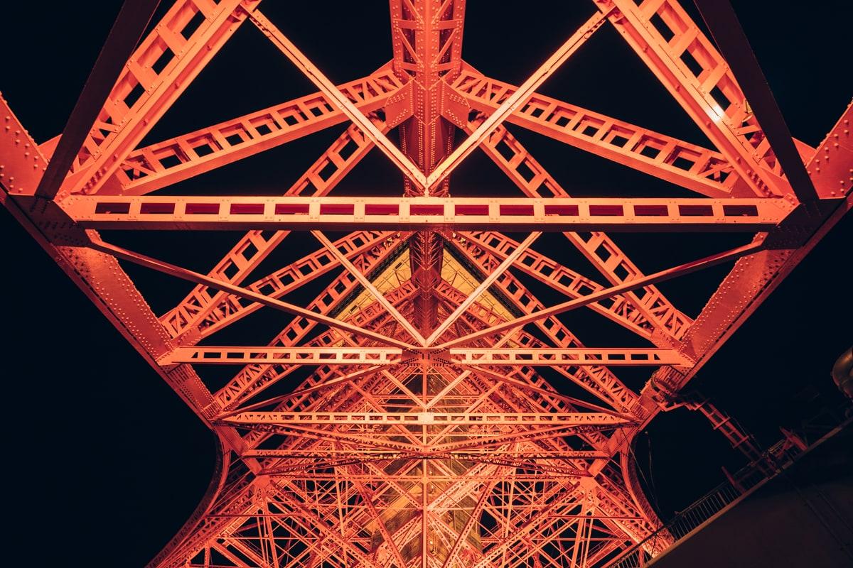 東京タワーの真下東京タワーの写真