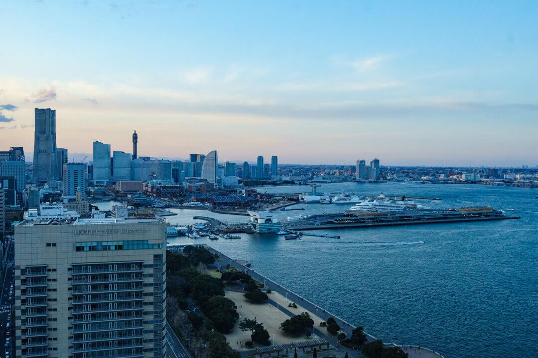 横浜マリンタワーからみたみなとみらいエリアの写真