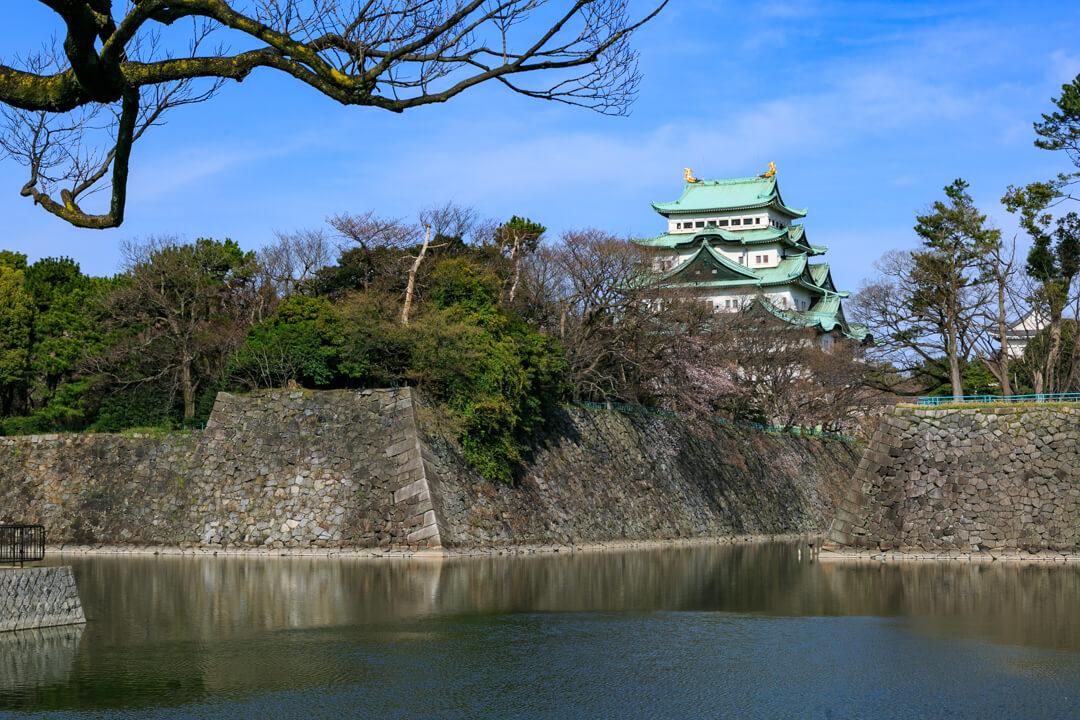 樋口町一丁目バス停付近から撮影した名古屋城の写真