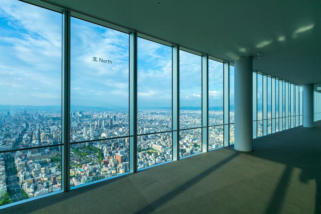あべのハルカス・ハルカス300の屋内回廊「天上回廊」の写真