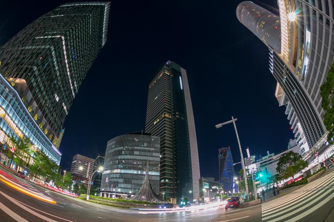 魚眼レンズで撮影した名古屋駅の写真