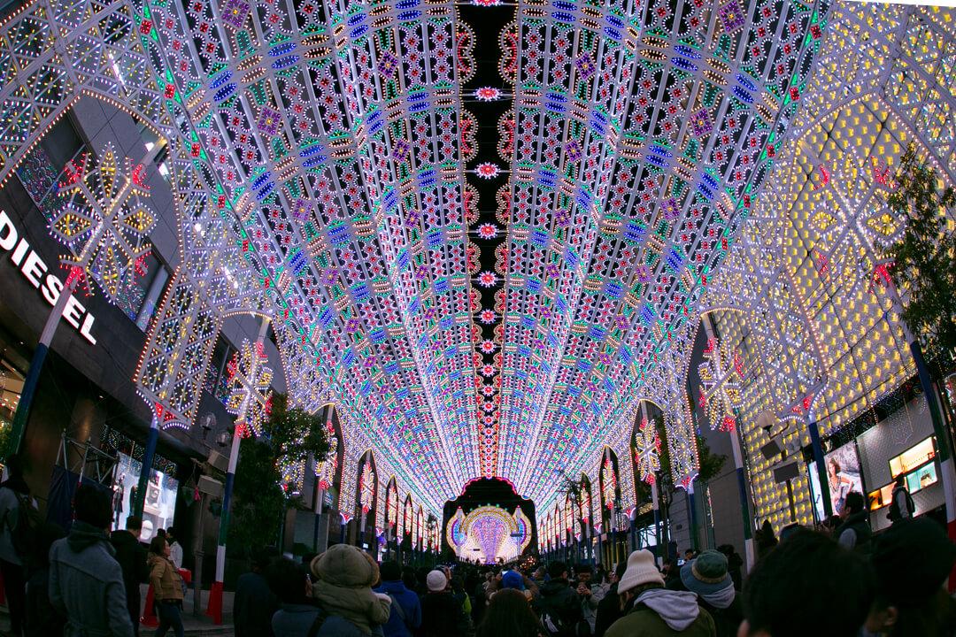 神戸ルミナリエの天井作品「ガレリアコペルタ」の写真