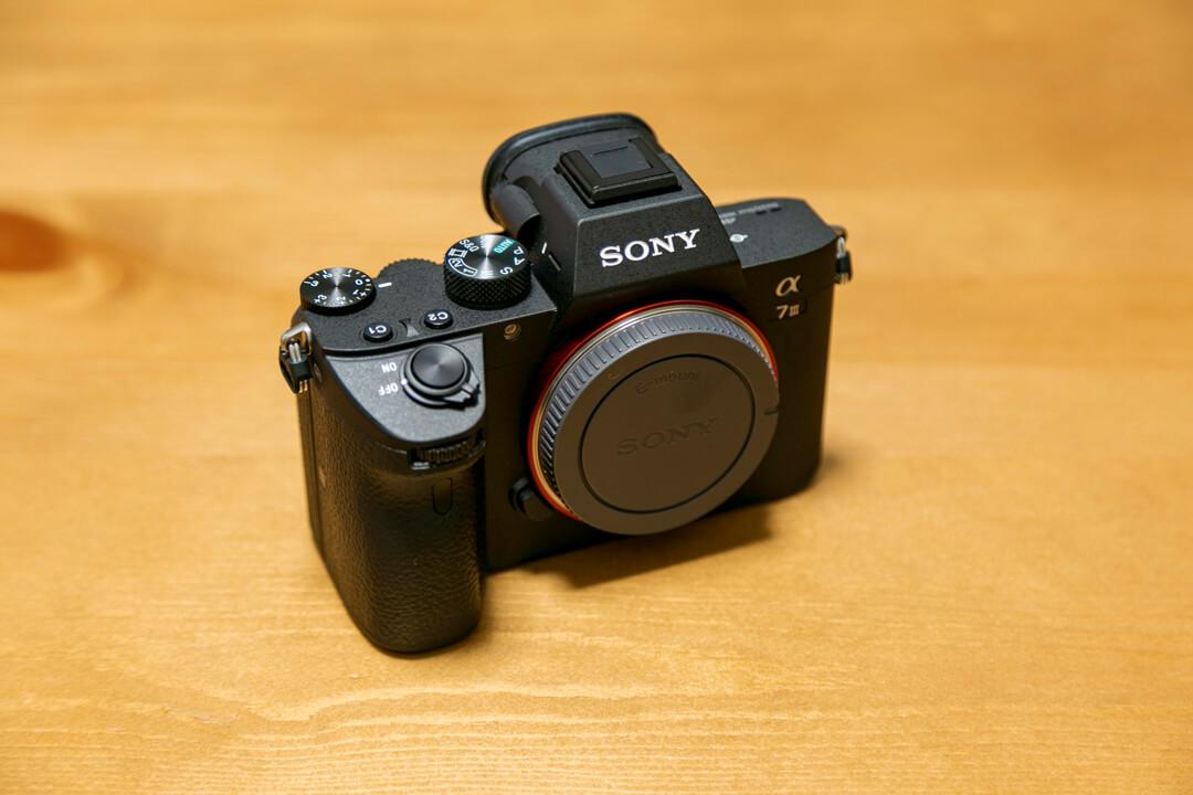 SONYのα7III(ILCE-7M3)の外観の写真