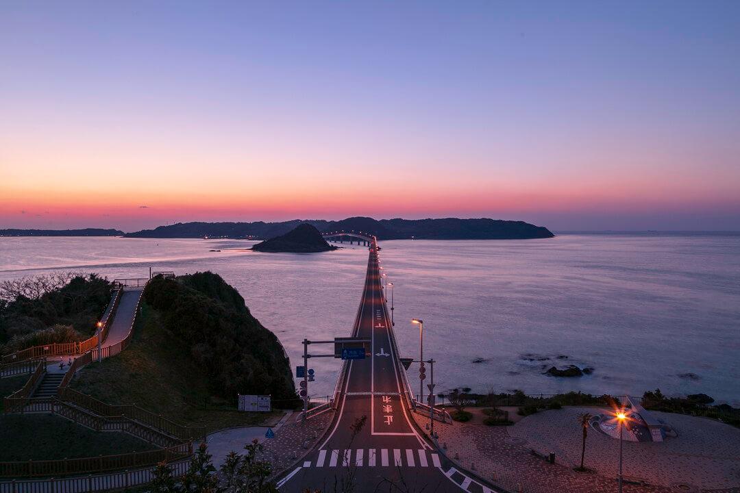 角島大橋の夕景の写真