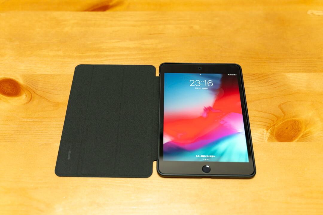 ESR製 iPad miniのカバーケースにタブレットを収めた状態