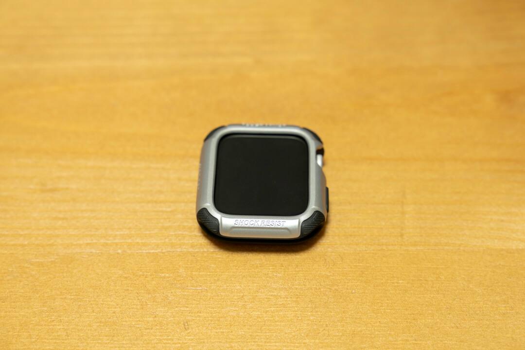 アップルウォッチにタフアーマーを取り付ける方法