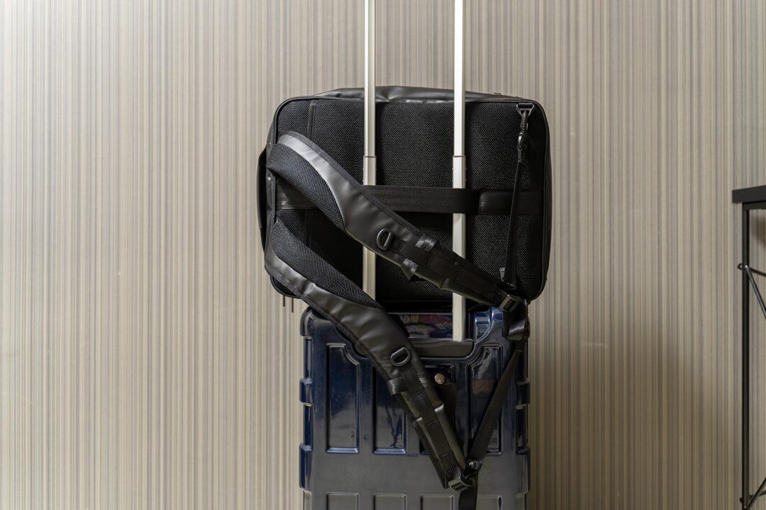 ガジェタブルはスーツケースにも固定可能