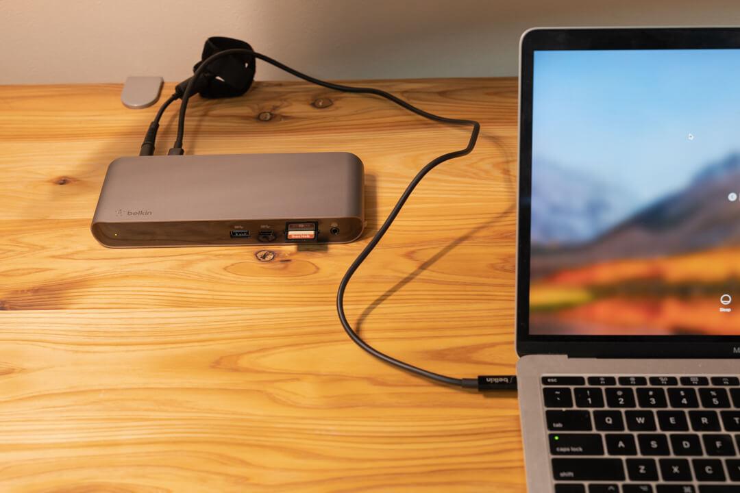 ベルキン Thunderbolt3 Express Dock Pro HDを使用してる様子