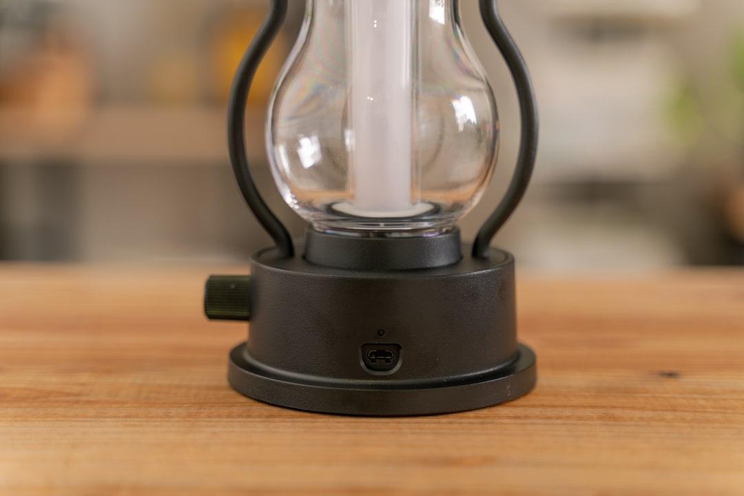 BALMUDA(バルミューダ) The Lanternの充電用のmicro-USBポート