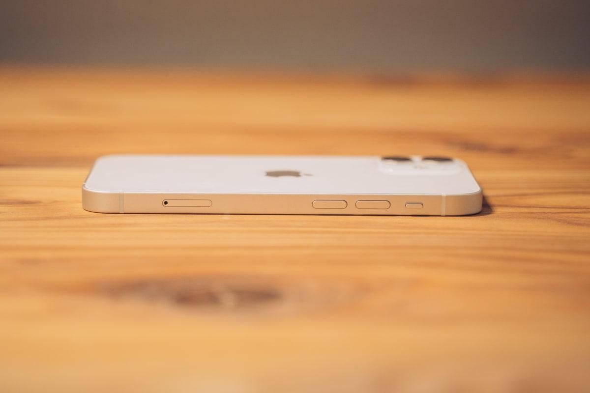 iPhone12 miniの左側