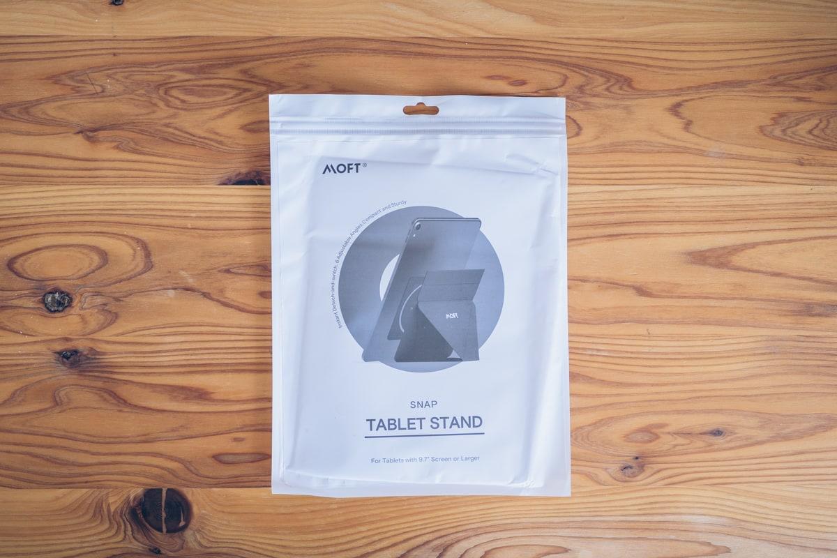 MOFT Snap-On タブレットスタンドの商品パッケージ