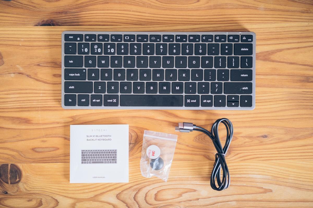 Satechi Slim X1 Bluetooth Backlit Keyboardの付属品一覧