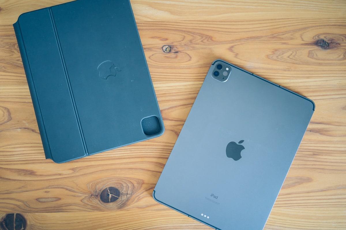 iPad ProとMagicKeyboardを撮影